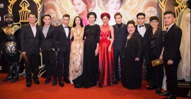 Dàn sao Việt lộng lẫy trên thảm đỏ ra mắt phim Tấm Cám