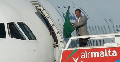 Không tặc đầu hàng, 118 người trên máy bay ở Malta đã được thả