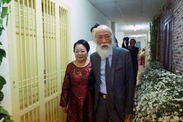 thầy Văn Như Cương và vợ