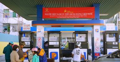 """Cây xăng """"chuẩn Nhật"""" xuất hiện, Petrolimex lập tức treo khẩu hiệu ở tất cả các đại lý trên cả nước"""
