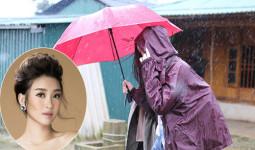 Hoa hậu Mỹ Linh bị mắc kẹt vì lũ lụt ở Yên Bái