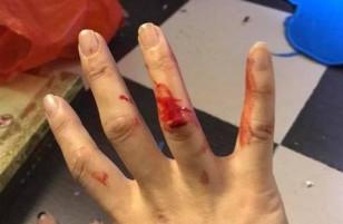 Vì mâu thuẫn bên ngoài, Xuân Bắc về nhà đánh vợ bê bết máu, đập phá đồ đạc?