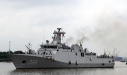 Tàu hộ vệ tên lửa của hải quân Indonesia cập cảng Nhà Rồng