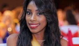Người đẹp Haiti khóc vì mượn được váy thi hoa hậu ở Việt Nam