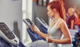 Nên tập thể dục khi bụng đói hay sau khi ăn chút gì?
