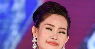 Hàng loạt người nổi tiếng khuyên Hoa hậu Đại dương 2017 nên trả lại vương miện!