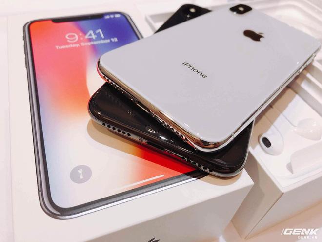 chiếc iPhone X đầu tiên ở Việt Nam, giá bán iPhone X, iPhone X