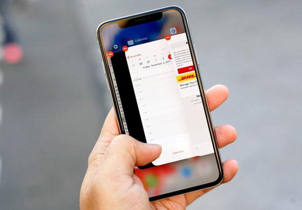 iphone-x-dinh-loi-bong-mo-apple-len-tieng