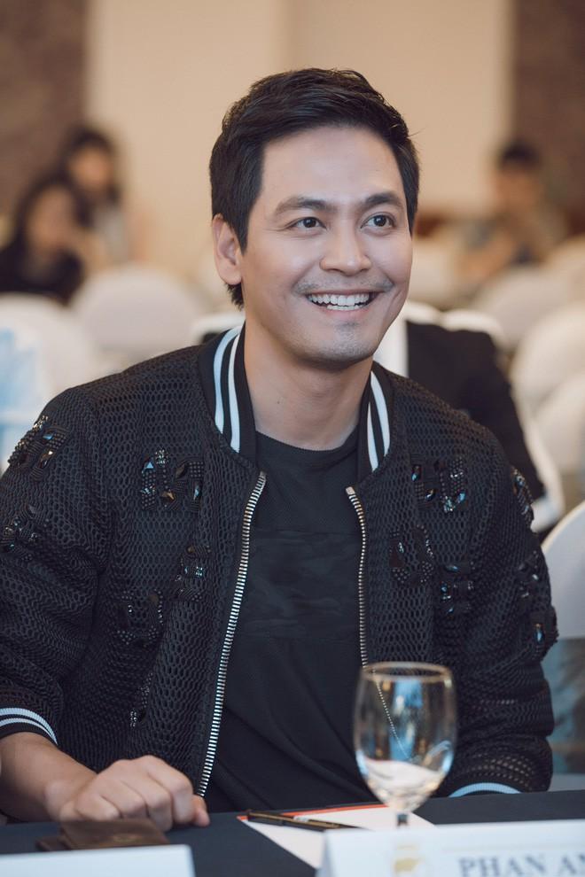 Gây xôn xao vì làm giám khảo Hoa hậu thẩm mỹ, Phan Anh nói: Vợ tôi có phẫu thuật, tôi cũng ủng hộ - Ảnh 2.