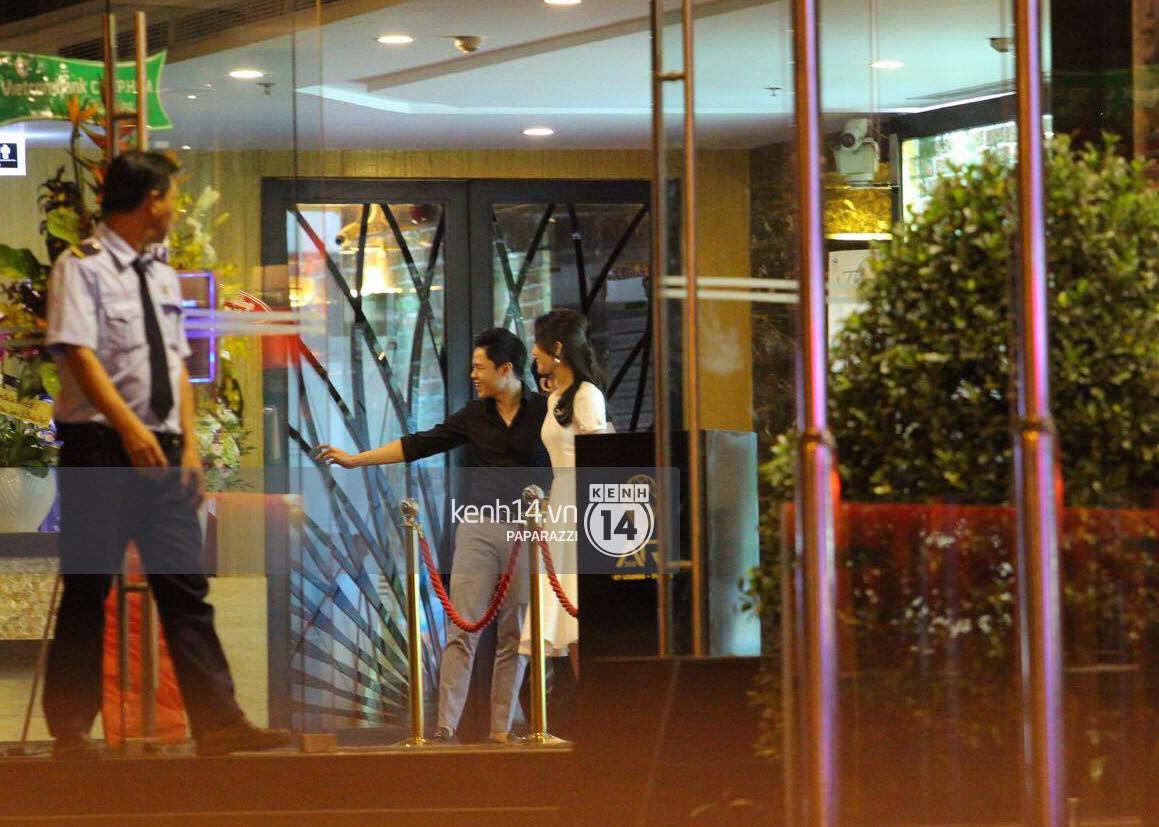 Bắt gặp Phan Thành - Xuân Thảo nắm tay tình tứ sau tiệc sinh nhật - Ảnh 6.