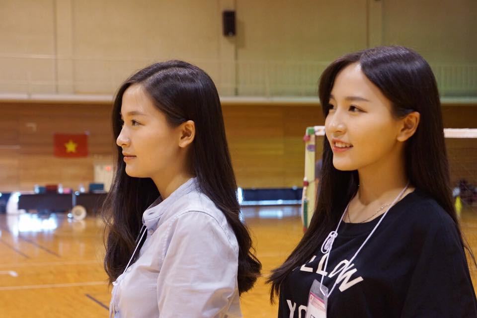 Song sinh đã đặc biệt, các cặp chị em này còn xinh đẹp và tài năng nữa! - Ảnh 1.
