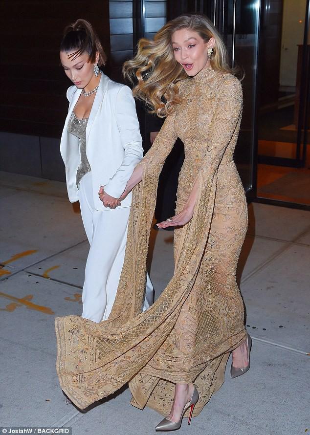 Vì diện bộ đầm dài siêu lộng lẫy, Gigi Hadid phải trả giá bằng màn suýt ngã sấp mặt trên phố - Ảnh 3.