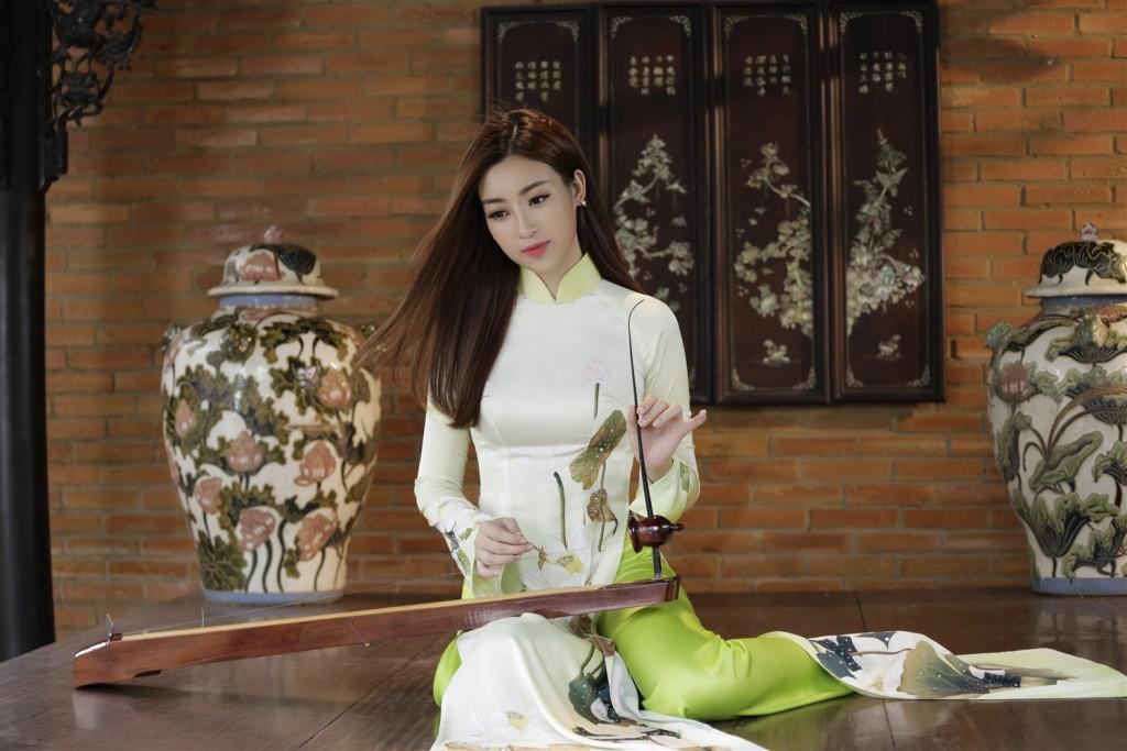 Miệt mài tập luyện đàn bầu nhưng Mỹ Linh vẫn không chiến thắng phần thi Tài năng tại Miss World 2017 - Ảnh 2.
