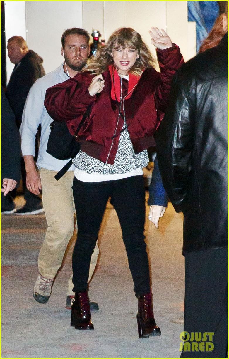 Taylor Swift gây ngỡ ngàng với thân hình phát tướng, hông nở đùi to trên phố - Ảnh 3.