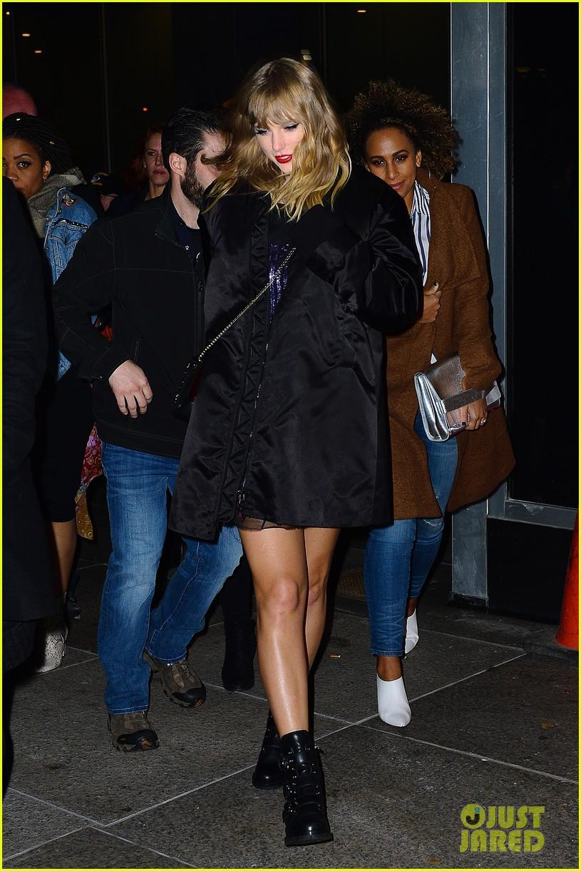 Taylor Swift gây ngỡ ngàng với thân hình phát tướng, hông nở đùi to trên phố - Ảnh 5.