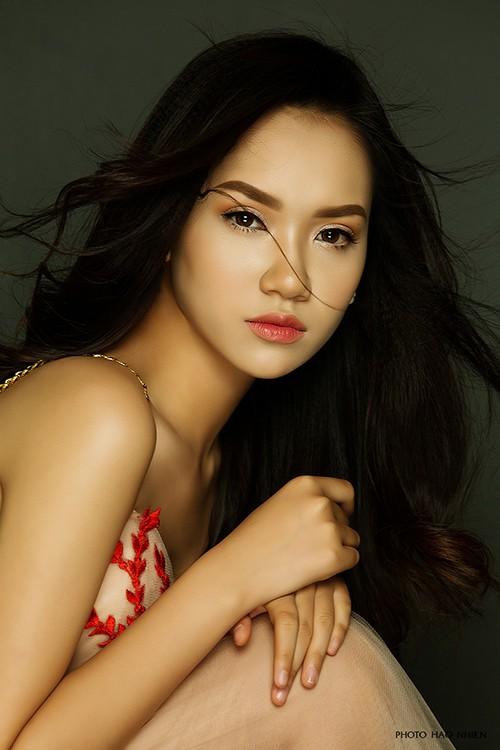 Cô bạn sinh năm 1996 đại diện Việt Nam tham dự Hoa khôi các trường ĐH Thế giới 2017 - Ảnh 1.