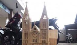 Mô hình nhà thờ Đức Bà bằng 8.000 thanh tre