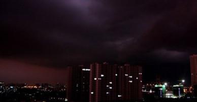TP.HCM: Sẽ lập tức cắt điện ở khu vực có mưa dông, lốc xoáy