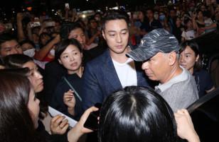 So Ji Sub xuất hiện làm náo loạn phố đi bộ Nguyễn Huệ