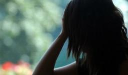 Bé gái 9 tuổi bị bố dượng cưỡng hiếp, mang bầu 5 tháng