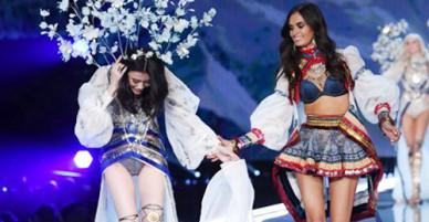 Victorias Secret 2017 gây chú ý nhờ loạt sự cố hơn chất lượng