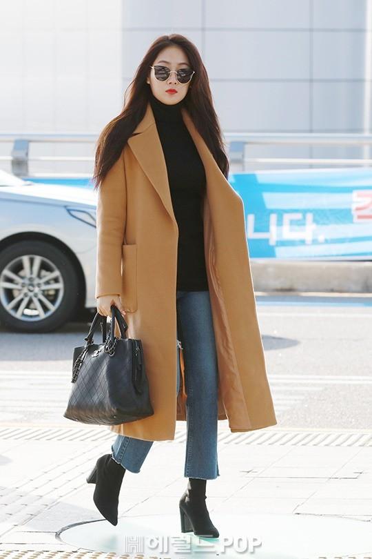 Sân bay MAMA Hồng Kông: Song Joong Ki tiều tụy bất ngờ, bà hoàng Lee Young Ae, EXO cùng dàn siêu sao đổ bộ - Ảnh 16.
