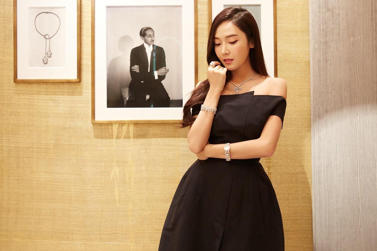 Trở lại thời kỳ đỉnh cao nhan sắc, Jessica Jung đẹp dịu dàng không tì vết