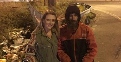 Người vô gia cư cho cô gái 20 USD mua xăng sắp có nhà, có xe