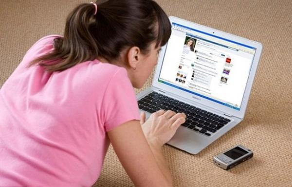 Chuyện gì trong nhà vợ cũng đưa lên 'phây' để câu khách bán hàng online