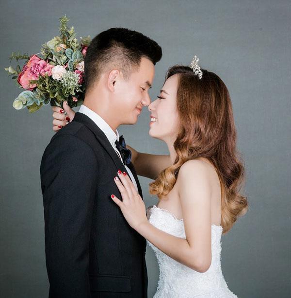 Thủ môn SLNA Quang Đại cưới vợ