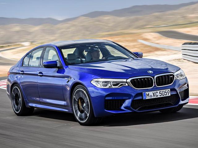 Sedan thể thao BMW M5 2018 có giá 2,3 tỷ đồng