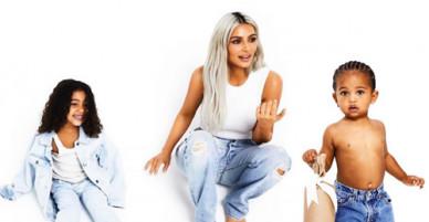 Các nhóc tỳ nhà Kim Kardashian ngộ nghĩnh chụp ảnh Giáng sinh