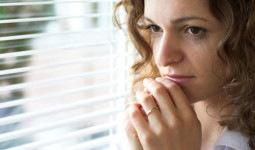 Có nên tha thứ khi hai lần phát hiện chồng ngoại tình