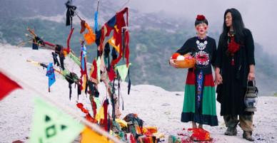 Bộ ảnh cưới được chụp ở ngọn đồi tuyết trắng đẹp hơn cả trong MV Bảo Anh