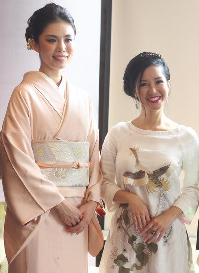 Riyo Mori và Hồng Nhung.