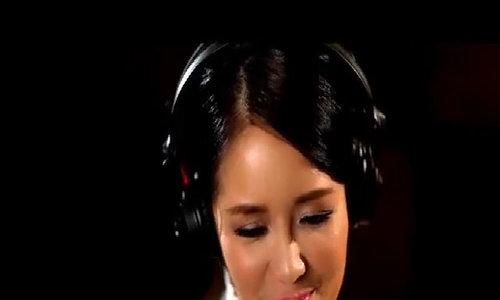 Hồng Nhung hát 'Cây bàng của cha' (Lưu Hà An sáng tác)