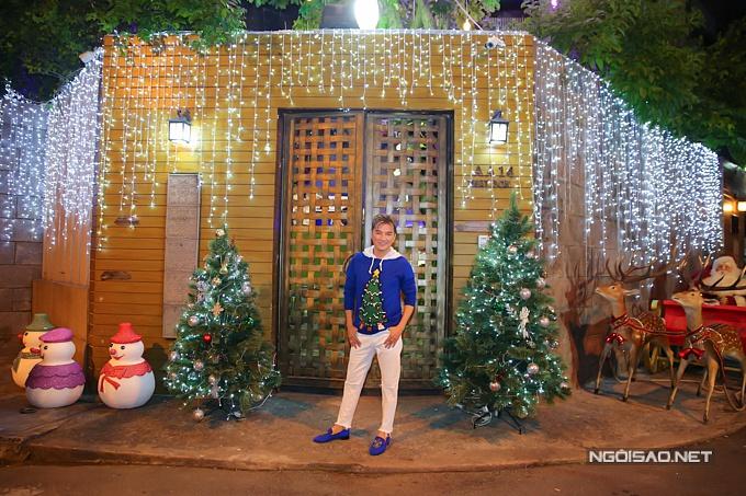 Biệt thự của Đàm Vĩnh Hưng lung linh sau trang trí Noel