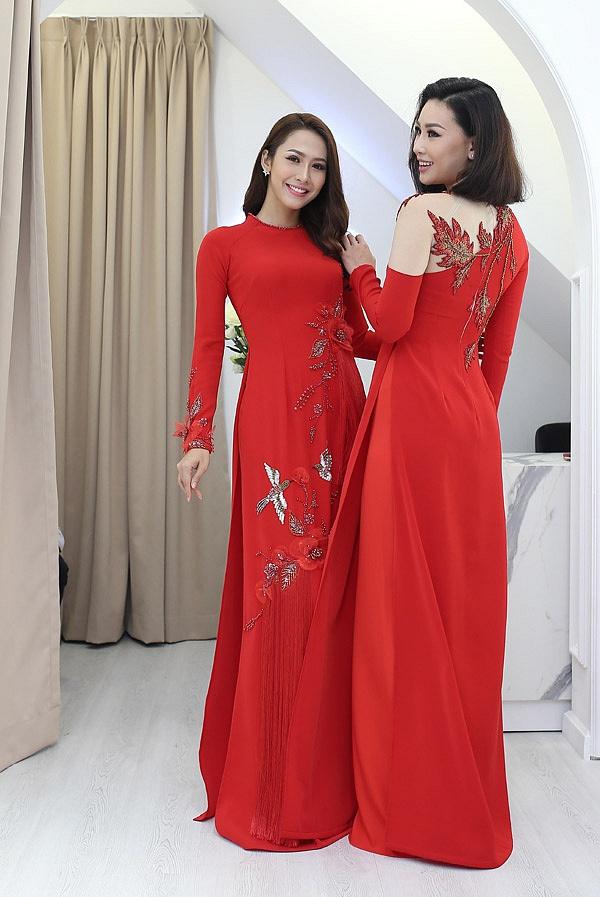 Phạm Thùy Linh, Phan Thu Quyên đọ sắc trong buổi thử áo dài