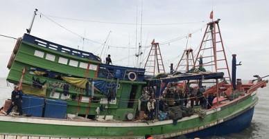 Nhiều tàu cá đang tìm ngư dân Phú Yên mất tích ở Trường Sa