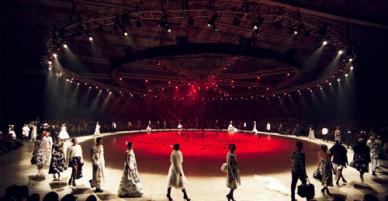 Những sàn catwalk ấn tượng của Đỗ Mạnh Cường qua 10 năm làm nghề