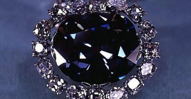 Lời nguyền đẫm máu của viên kim cương xanh Ấn Độ: Từ châu Âu sang châu Mỹ, ai chạm vào cũng chết bí ẩn