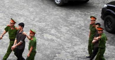Vụ khủng bố sân bay Tân Sơn Nhất: 6 bị cáo lĩnh án hơn 10 năm tù