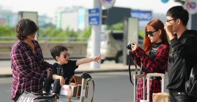 Thu Thuỷ đưa con trai và mẹ đi du lịch Malaysia