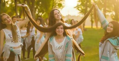 Thiếu nữ nuôi tóc dài 1,5 m được công nhận kỷ lục thế giới