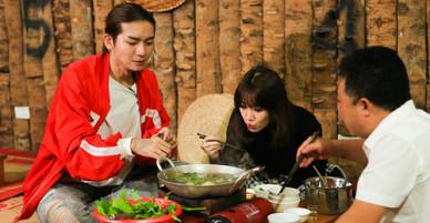 Bạn thân của chồng tháp tùng Hari Won đi khám phá ẩm thực Lào Cai