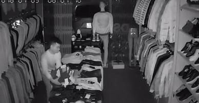 Hưng Yên: Thanh niên lái ô tô đi ăn trộm hơn 100 chiếc quần bò
