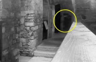 Bóng ma của tội phạm bị treo cổ lởn vởn trong nhà tù