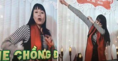 Clip hot nhất đám cưới Nhật Anh Trắng: Bố mẹ 2 bên rap cực chất chơi chúc mừng con