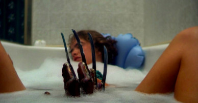 Cảnh tấn công trong bồn tắm trở thành biểu tượng của Ác mộng trên phố Elm