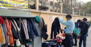 Tủ quần áo ấm miễn phí cho người nghèo ở Hà Nội - VnExpress